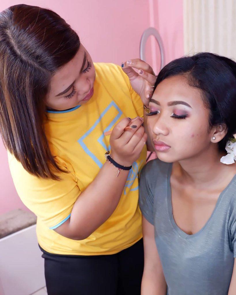 Kursus Makeup Profesional yang Murah
